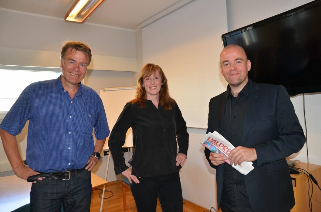 Styret i Valdres Media AS har tirsdag ansatt Hilde Lysengen Havro (45) som ny ansvarlig redaktør og daglig leder. Fra venstre: Ivar Brynildsen (avtroppende redaktør og daglig leder), Havro og styreleder Tom Martin Kj. Hartviksen.