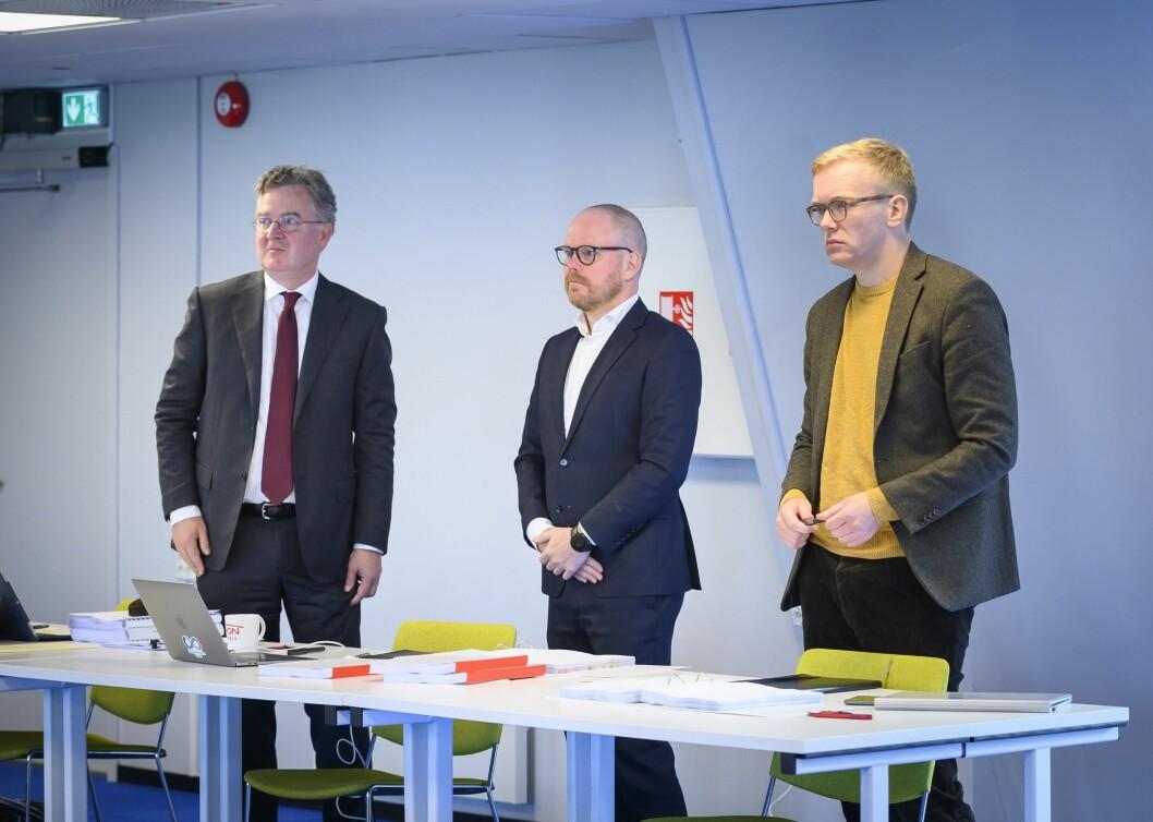 Advokat Halvard Helle representerte VG i retten. Her med de saksøkte,  sjefredaktør Gard Steiro og journalist Markus Tobiassen.