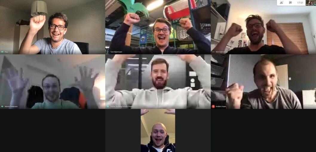 Jubelen sto i taket blant VGs utviklerteam da den nye fronten ble sluppet. Fra venstre oppe: Jarle Brenna, produktleder, Tom Byermoen, UX, Kim Gabrielsen, UX, Martin Pedersen, utvikler, Sverre Norberg Schulz Hagen, UX, Anders Haar, analyse og Mads Erik Forberg, utvikler. Kristine Hellem Aanstad, UX researcher i prosjektet var ikke til stede da bildet ble tatt.