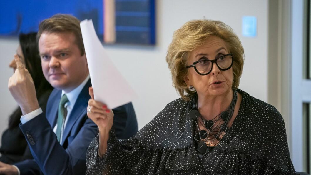 Trude Drevland er ikke fornøyd etter at NRKs «Stjernekamp» opplevde problemer med stemmegivningen under forrige ukes sending. Her er hun avbildet i Kringkastingsrådet sammen med Ove Vanebo.