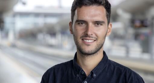TV 2s nye fotballreporter ombestemmer seg - blir værende i VG
