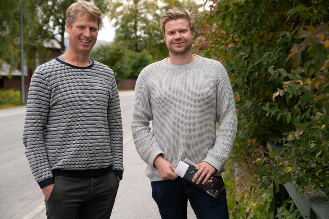 Administrerende direktør i Hallingdølen Ola Stave (til venstre) og redaktør Ragnar Hilde ser frem til lanseringen av hyttavår.no.