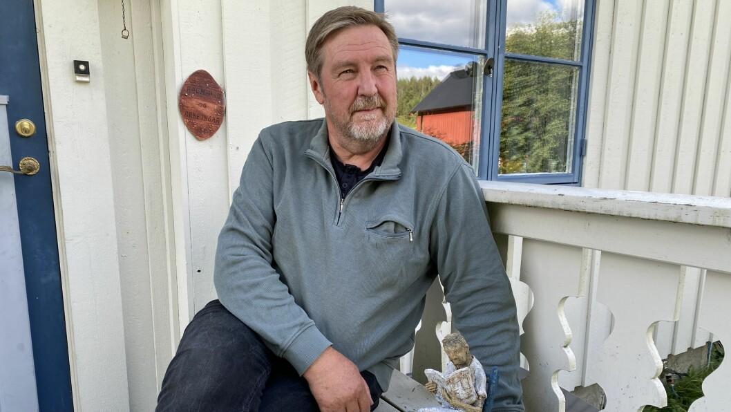 Etter 43 år i jobb for Arbeidets Rett på Røros, gir Arne Ingar Bækken seg som journalist på heltid.