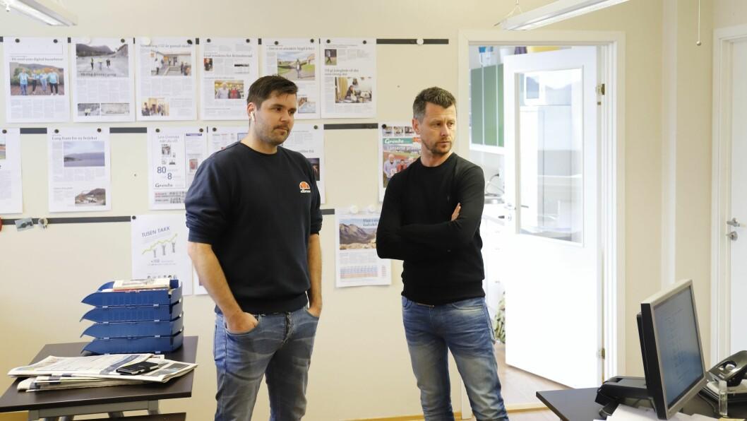 Redaktør Håvard Sætrevik (t.h) og daglig leder Jarle Håvik i avisen Grenda skjønner lite av at de fikk avslag på sin søknad om koronakompensasjon.