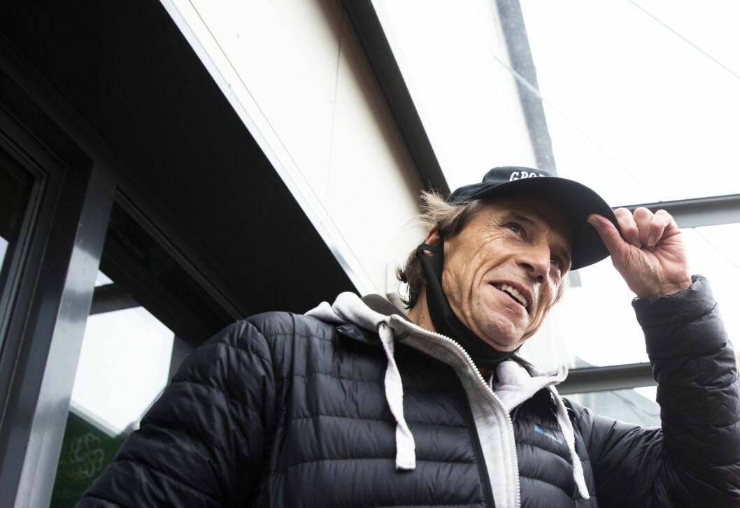 Jan Bøhler ankommer pressekonferansen i regi av Oslo Sp, på Grorud flerbrukshus.