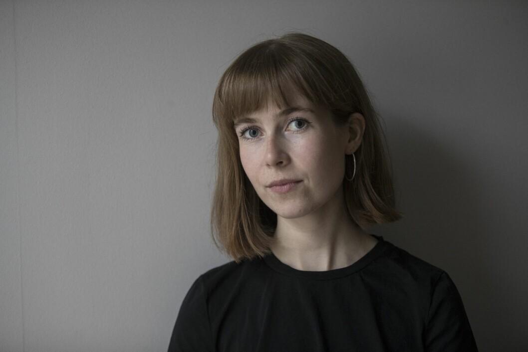 Eline Lund Fjæren legger forfatterkarrieren på hylla for å bli journalist i Dagens Næringsliv.