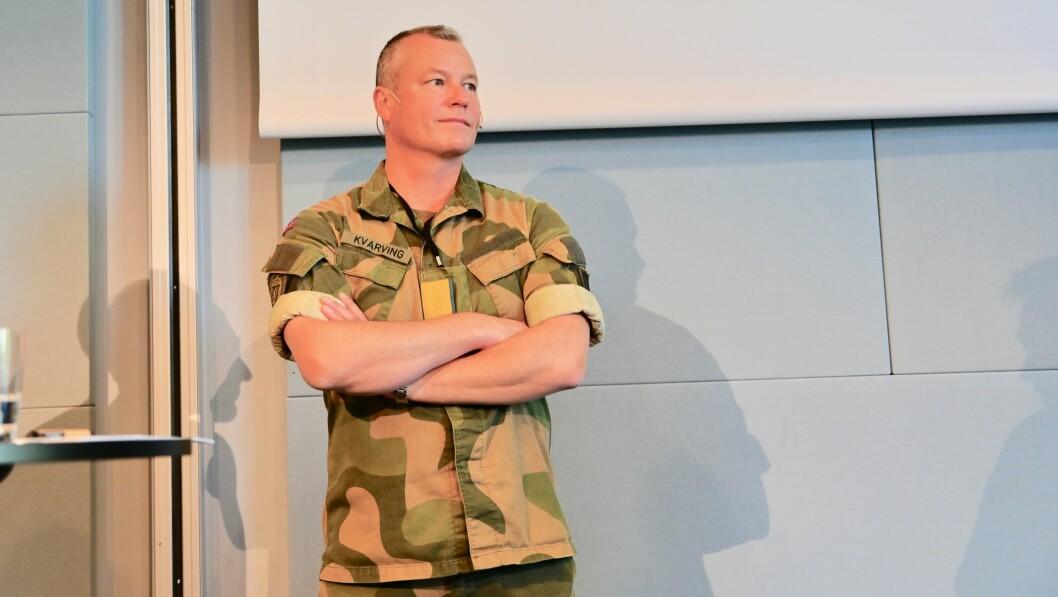 Brigader Eystein Kvarving slo torsdag ettermiddag fast at de ansatte ved Forsvarets mediesenter ikke lenger skal kalles journalister.