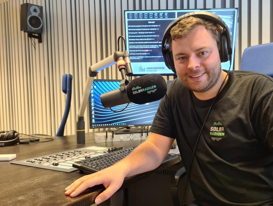 Bjørn-Martin Brandett, daglig leder i Lokalradioene i Innlandet AS, gleder seg over SolørRadioens lyttertall.
