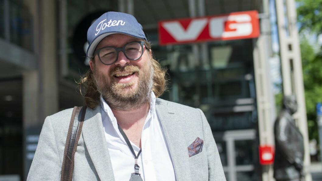 VG-vaktsjef Ken Andre Ottesen står bak den populære Instagram-kontoen Badesken. Nå blir den en del av VGs papiravis på lørdager.