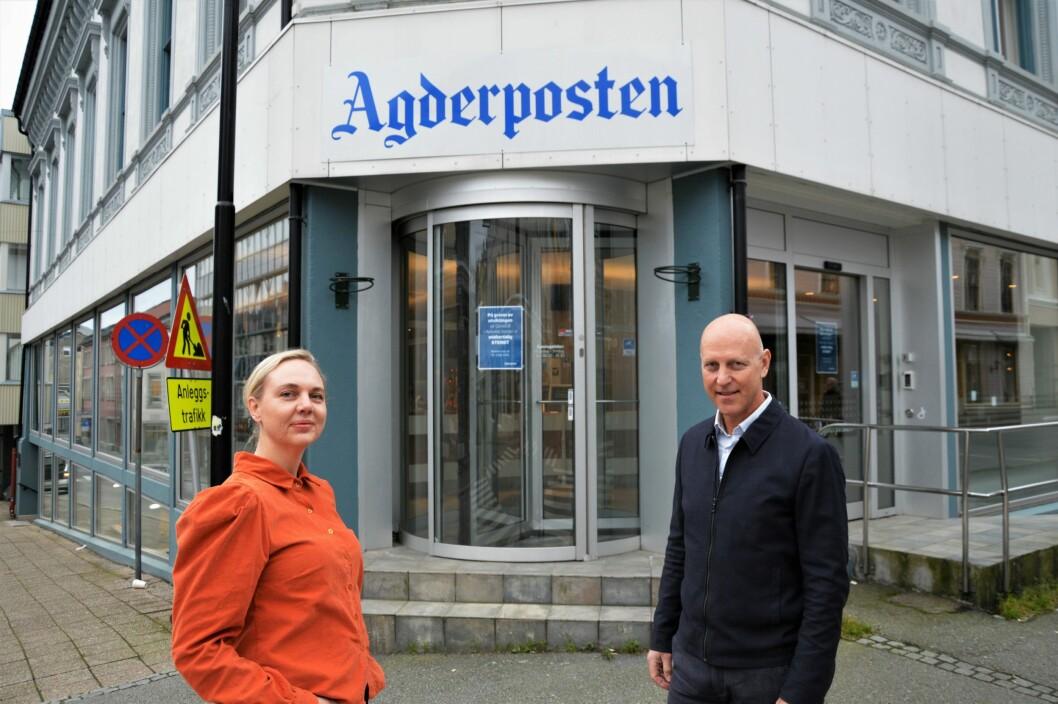 Katrine Lia (til venstre) blir Agderpostens nye sjefredaktør. Her sammen med nåværende sjefredaktør Øyvind Klausen.