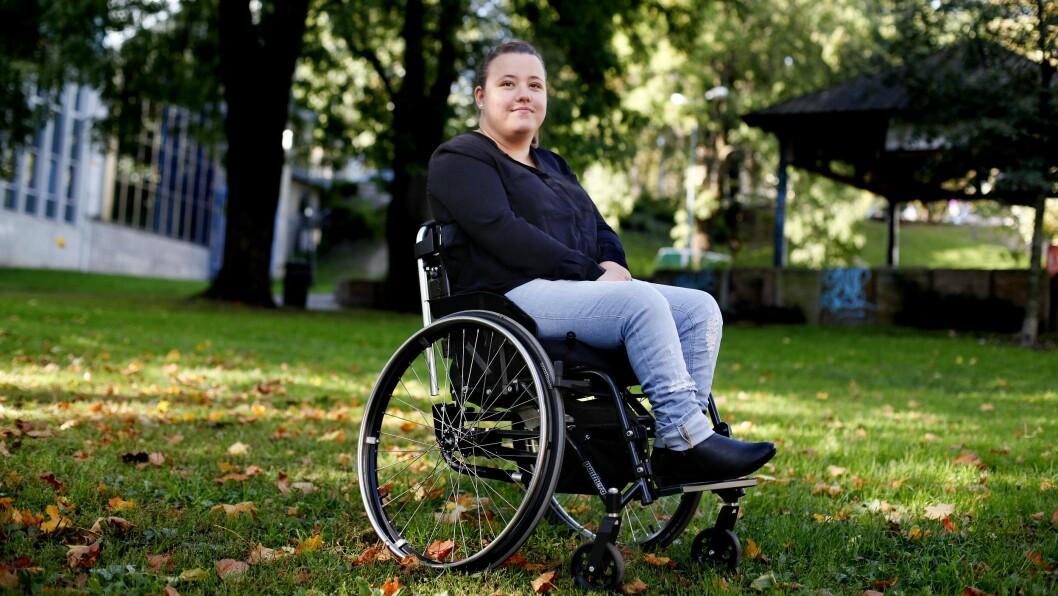 Masterstudent og frilansjournalist Stine Slettås Machlar er glad for at NJ og Redaktørforeningen nå setter fokus på rekrutteringen av journalister med funksjonsnedsettelser.
