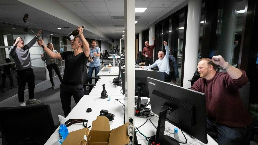 AO-journalistene markerte at avisen gikk online natt til mandag.