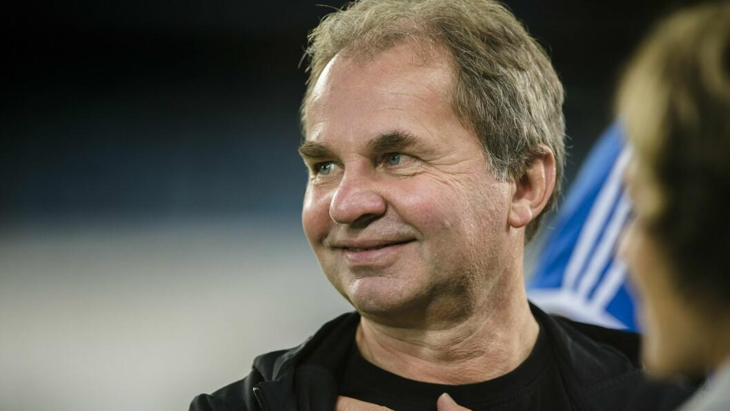 Som organisasjons- og kommunikasjonsleder i Rosenborg, hadde Trond Alstad mye kontakt med norske journalister. Nå er han klar for en ny lederjobb, denne gangen i NAV. Organisasjons og kommunikasjonsleder i Rosenborg, Trond Alstad, på anoeta estadioa før møtet med Real Sociedad i første kamp i gruppespillet i Europa League i morgen.Foto: Ole Martin Wold / NTB scanpix