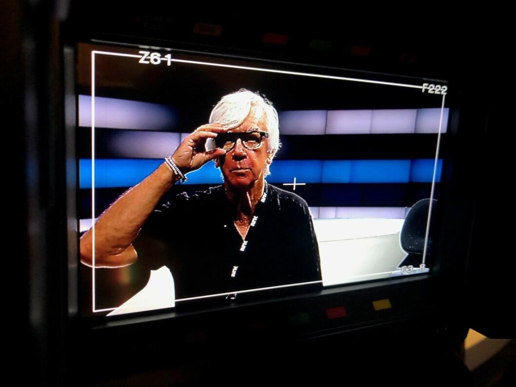 Her er Ole Torp avbildet slik vi kjenner ham som best - midt i TV-ruta.