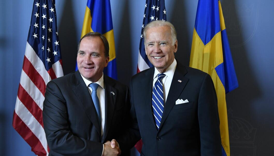 USA daværende visepresident Joe Biden (til høyre) besøker Sveriges statsminister Stefan Löfven i 2016.