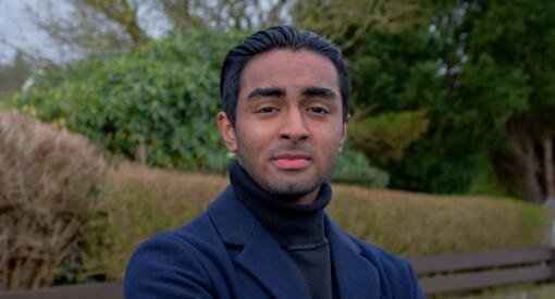 Luqman (19) savnet debatt-plattform for unge. Nå er han redaktør for egen debattside: – Interessen er utrolig stor