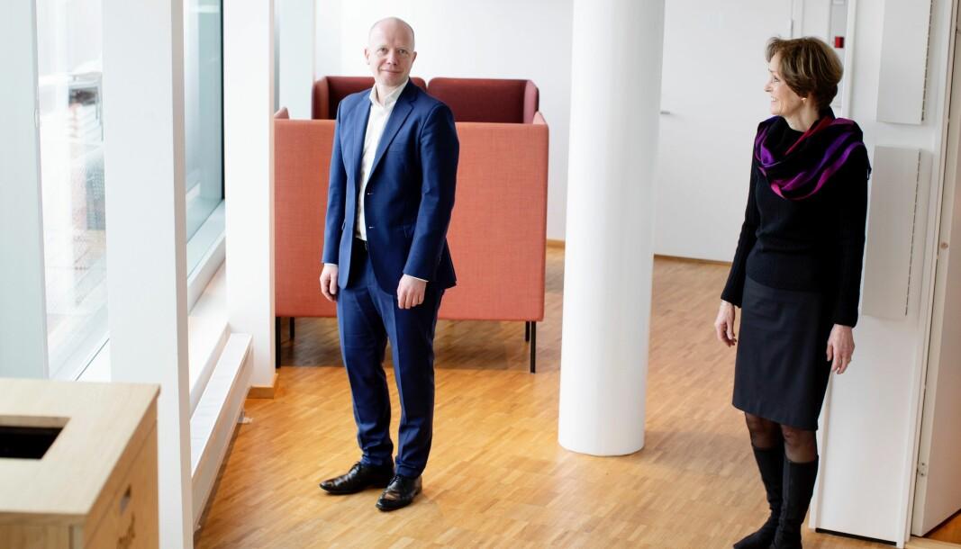 Styreleder i NHST Media Group, Anette S. Olsen (til høyre) og ny konsernsjef Trond Sundnes