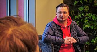Eirik (23) ble inspirert av TV 2-profil til å begynne med journalistikk: – Har en drøm om å ta over jobben hans