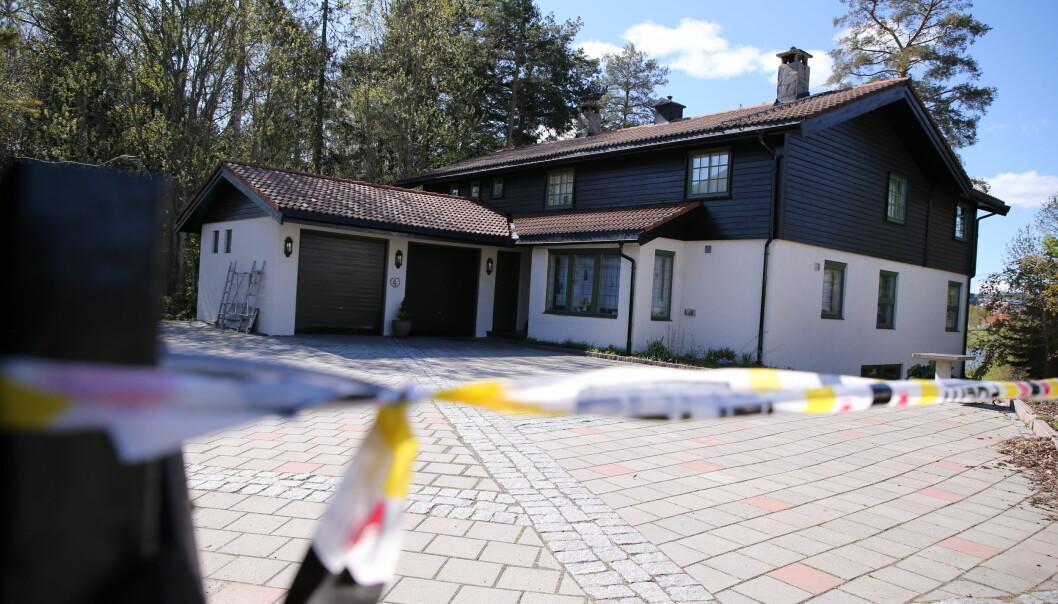 Politiet står fast ved teorien om at Hagen-familiens bolig i Sloraveien i Lørenskog er stedet for drapet på Anne-Elisabeth Hagen.