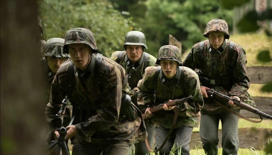 Frontkjemperne er en historisk dokumentarserie basert på intervjuer med nordmenn som kjempet på tysk side under 2. verdenskrig.
