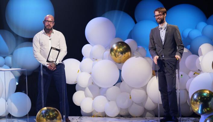 Gullruten 2021. Benjamin Ree (t.h.) og Kart-Bertil Nordland – mottar prisen for beste tv-dokumentar for VGTVs «Kunstneren og tyven». (Ree har laget filmen, mens Nordland er kunsttyven i filmen.)