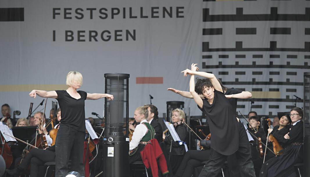 Prisen deles ut under Festspillene i Bergen.