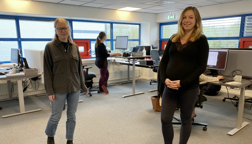Ingunn Borud (t.v) og Lisa Marie Schaft blir fast ansatt i Vestby Avis.