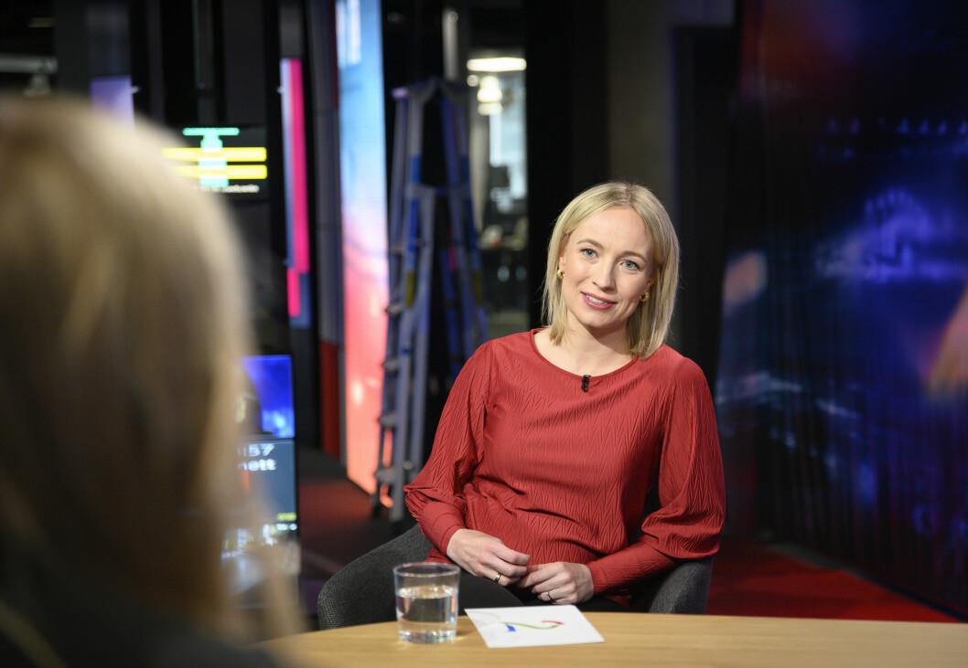 Programleder Linn Wiik i Presseklubben på TV 2.