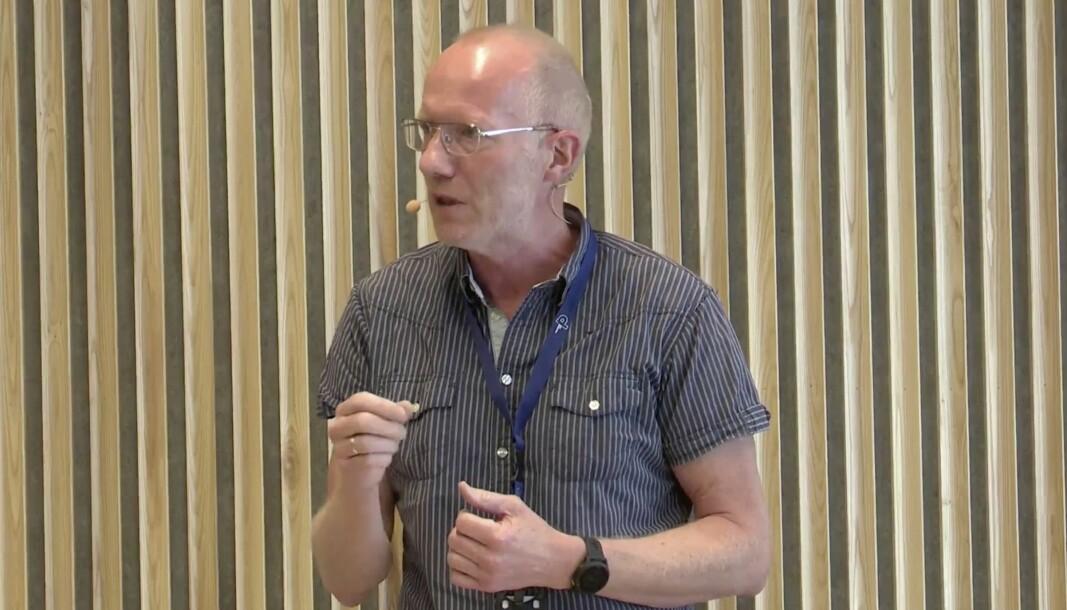 Arne Jensen deltok i en debatt om eierstyring og redaktøransvar i Pressens hus onsdag formiddag.