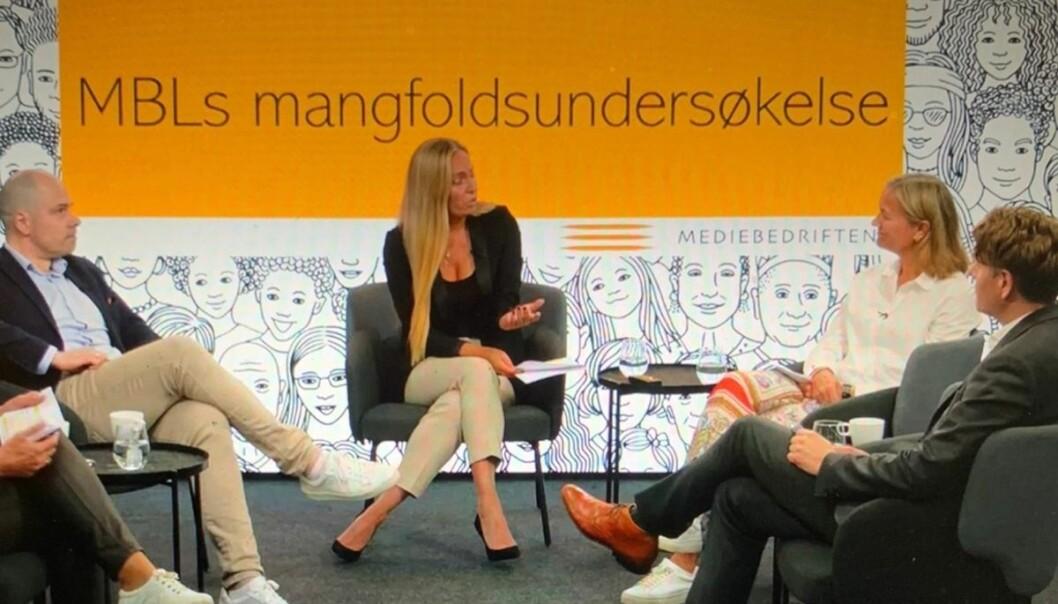 Amedias konsernsjef Anders Opdahl (fra venstre), Trine Ohrberg fra MBL, Schibsted-direktør Siv Juvik Tveitnes og organisasjonsdirektør i NRK, Olav Hypher, deltok på tirsdagens debatt.