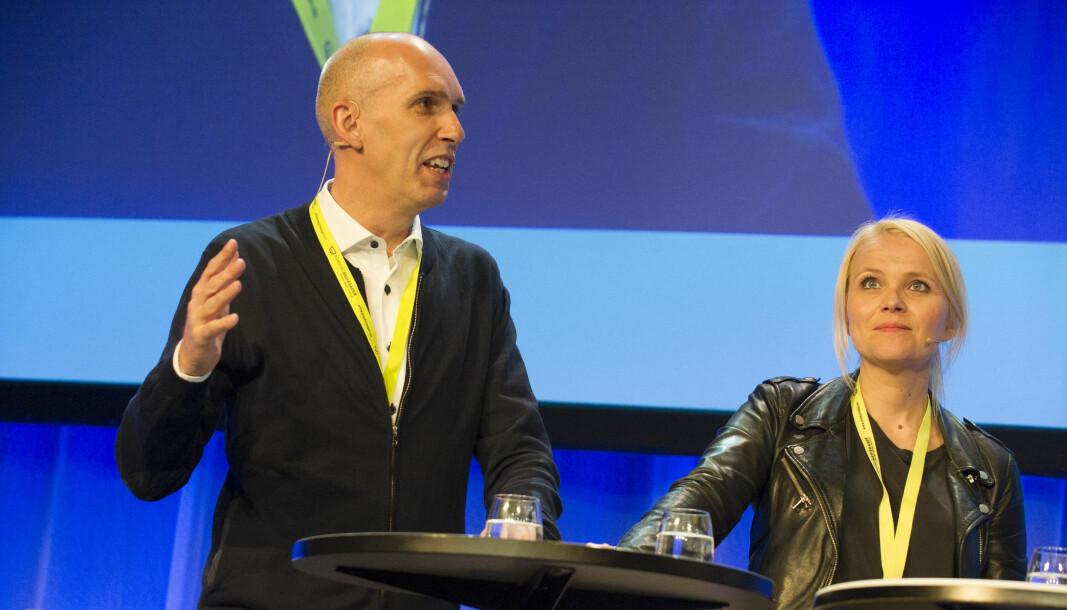 Frank Gander blir utviklingsredaktør i NRK. Her avbildet sammen med Hildegunn Amanda Soldal under Nordiske Mediedager i 2016.