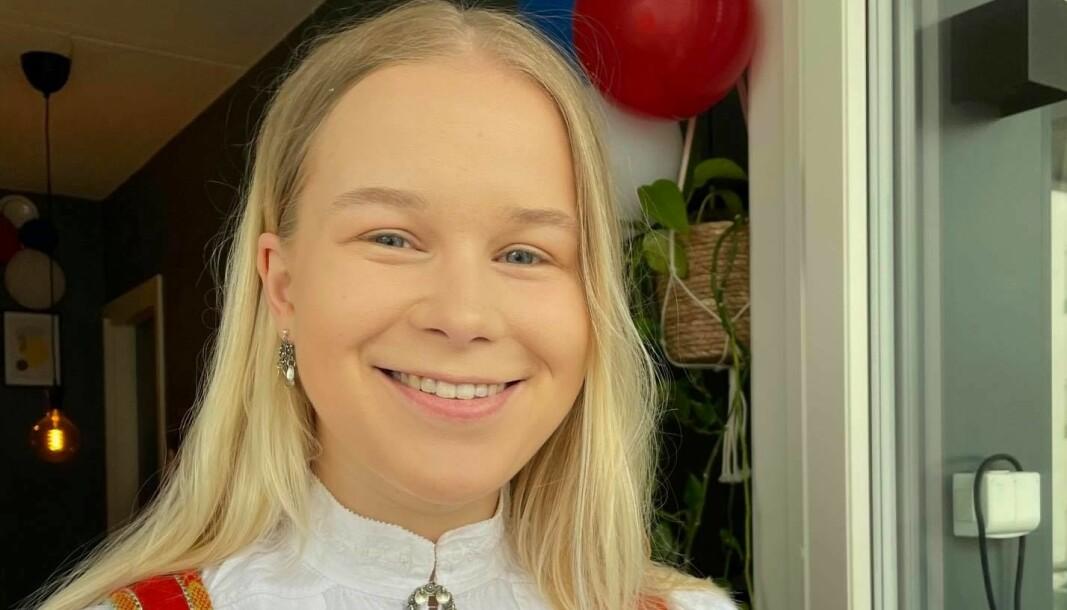 Martine Sørhus har fått fast jobb i NRK Sport. Det er hun svært godt fornøyd med.