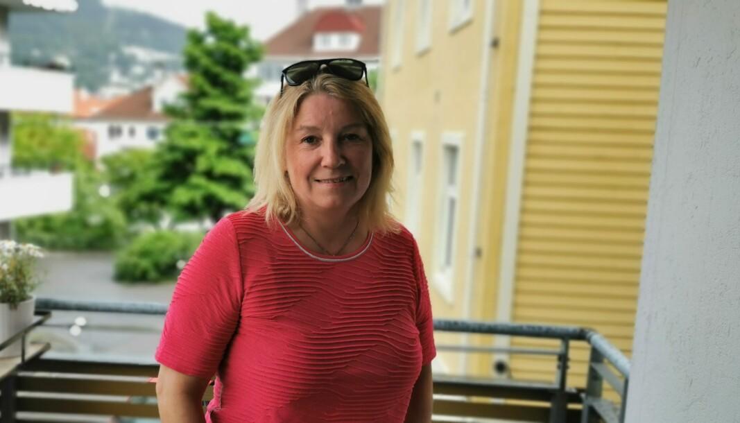 Eva Johansen brenner for å lage lokaljournalistikk, men savner offentlig støtte til de mindre avisene.