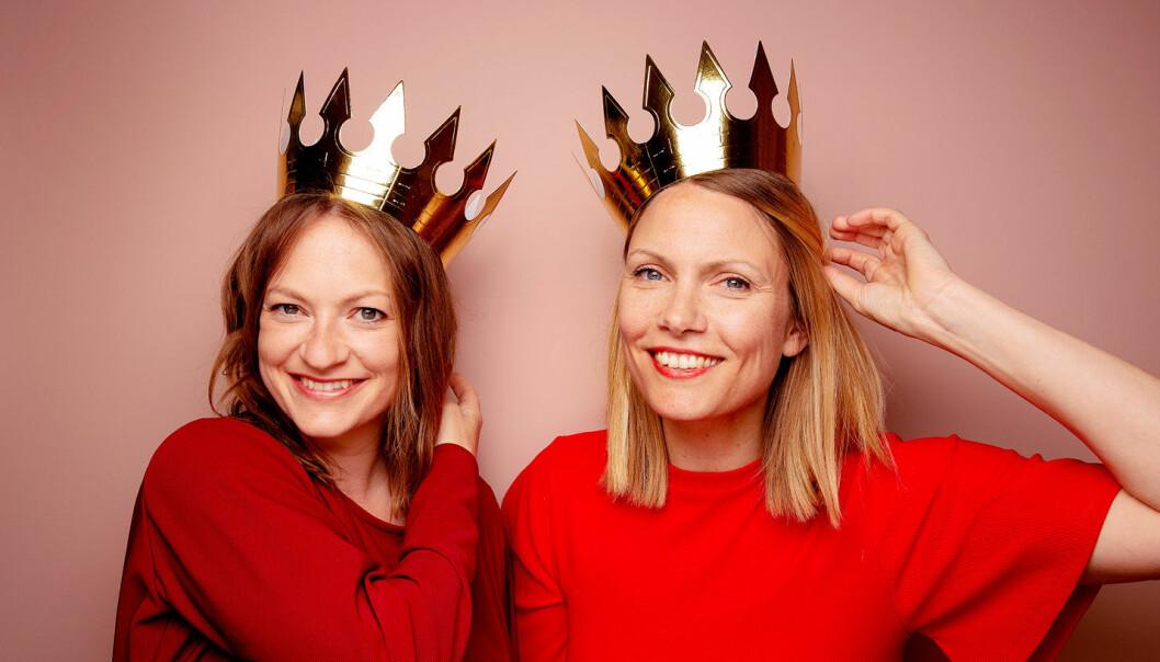 De tidligere Dagbladet-journalistene Anne Gunn Halvorsens (til venstre) og Randi Fuglehaugs bok «Arvingen» blir til Netflix-film