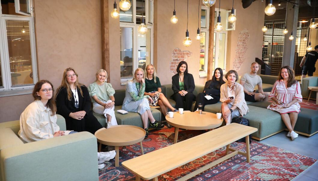 Her er noen av sommervikarene til Fevennen: Kristine Hoff (fra venstre), Johanne Ousdal, Emma Fløde, Sara Sofie Tallaksen, Maria Hushovd Folgerø, Amalie Nelay Andersen, Damares Stenbakk, Kristin Øygarden, Anders Mjaaland og Hilde Wøhni Joakimsen.
