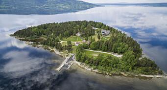 Vil dele Utøya-tweetene minutt for minutt
