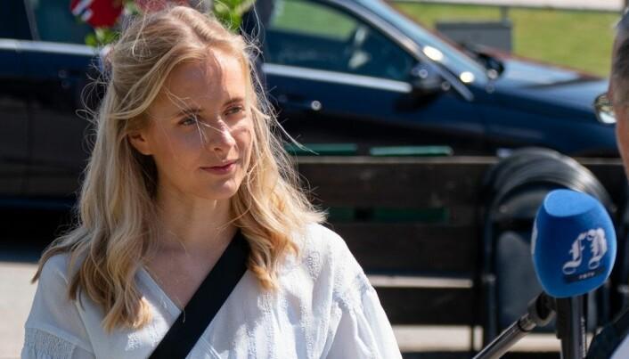 Mathilde (22) har jobbet i Fredriksstad Blad siden hun var 15 år. Nå får hun fast jobb