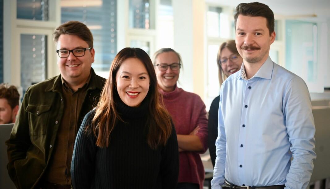 Morgenbladet er glade for å være i Mentor Medier. Fra venstre: Markeds- og opplagssjef Andreas Mollerud, sjefredaktør Sun Heidi Sæbø, frontsjef Tone Velldal, SoMe-ansvarlig Emma Johnsen Rødli og Ivan Solhaug.