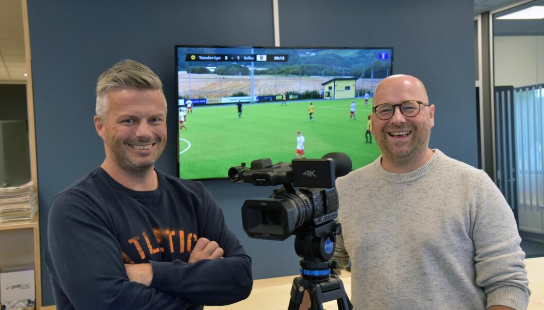 Journalist Truls Lereggen (t.v.) og redaktør Lars Østraat i Trønderbladet er fornøyde med responsen på streaming-satsingen.