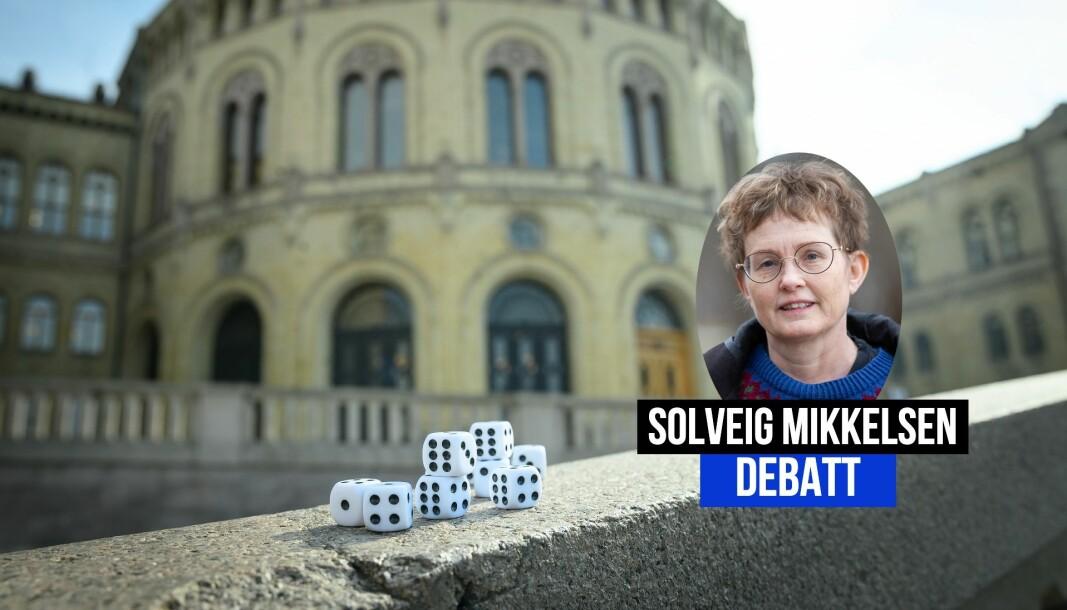 Journalist Solveig Mikkelsen har medynk med både de som får og de som deler ut terningkast i valgkampen