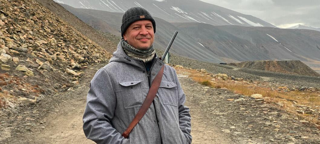 Her må journalistene gå med våpen: – Verdens kuleste lokalavisjobb