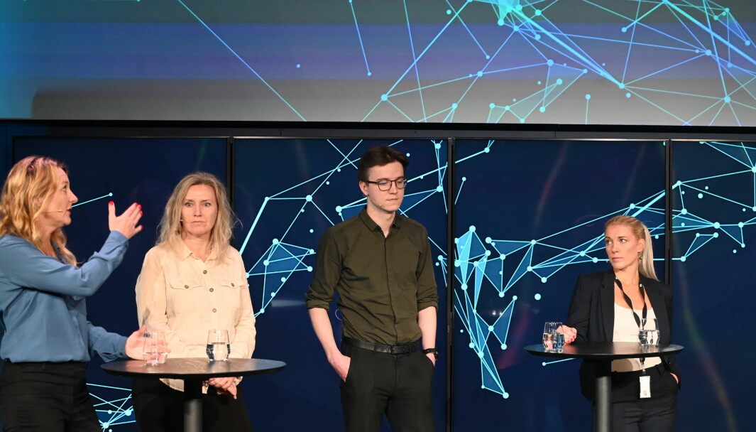 Johanna Bäckström Lerneby, Hanne Marie Brevik, Øystein Hernes og Trine Melheim Ness deltok på et arrangement om graving i sportsjournalistikken i MCB, torsdag morgen.