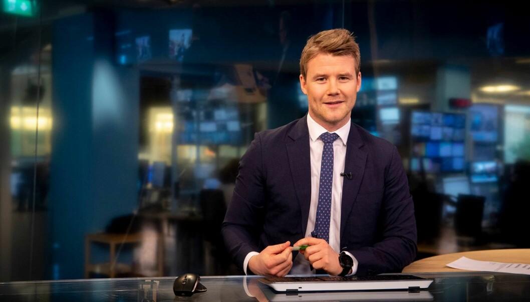Fredrik Solbu Jullumstrø skal blant annet lede Sportsnyhetene og Sportsrevyen fremover.