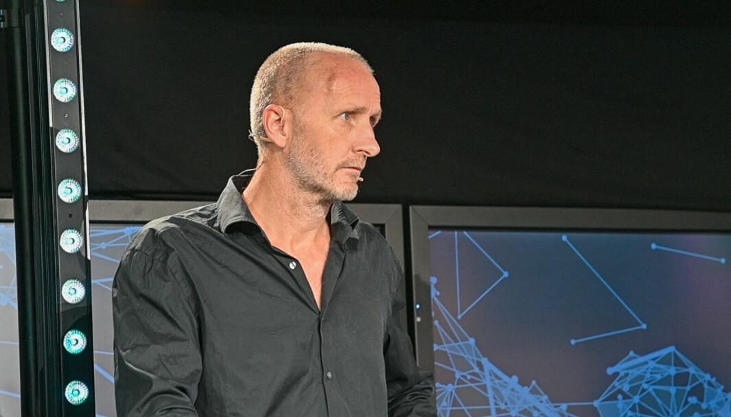 Amedia-direktør Helge Birkelund tror noen særforbund i idretten vil tape på at TV 2 etablerer seg i lokalidretten.