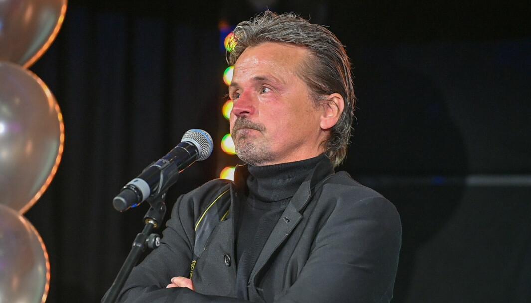 Det var en tydelig rørt Bjørn Steinar Delebekk som entret scenen i Media City Bergen torsdag kveld. VG-fotografen mottok tre diplomer og én hederspris i løpet av kvelden.