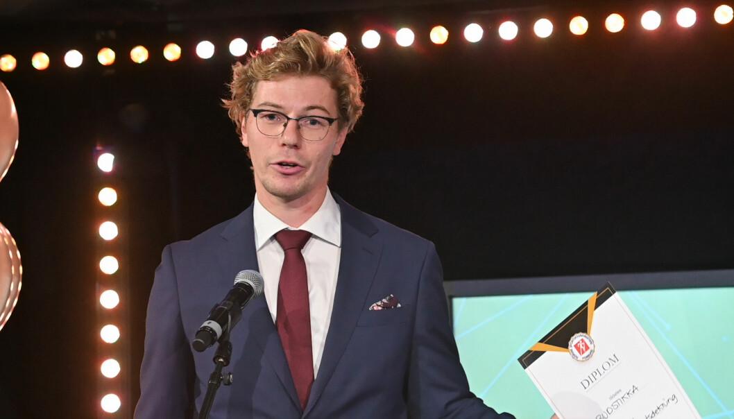 Ole Christian Nymoen og Budstikka fikk prisen «Årets nyhetsdekning» for en sak om en ung mann som ble lam etter en ulykke som skjedde da han spilte ishockey.