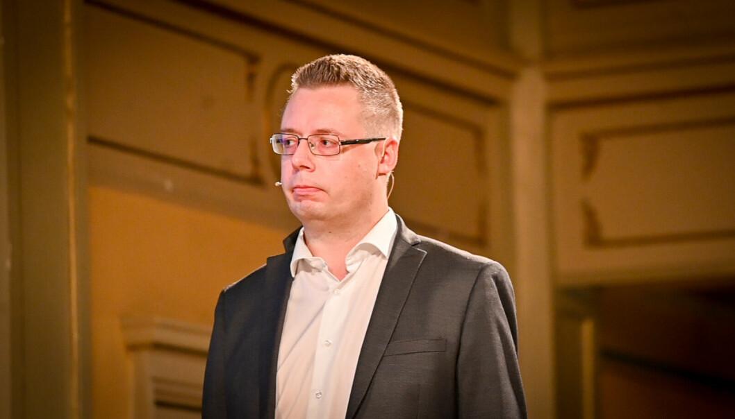 NRKs krimkommentator, Olav Rønneberg, ønsker seg mer åpenhet fra politiet i møte med pressen.