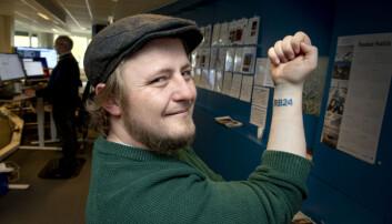 Joachim (32) feirer fast jobb med spesiell tatovering: – Passer helt perfekt