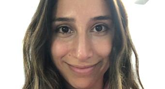 Aida Khorami (27) er ansatt som ny reporter i NRK Nyheter